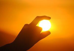Güneş'in perspektifle küçük görünmesi